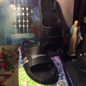 New balance black slides slip on sandals size 9 m